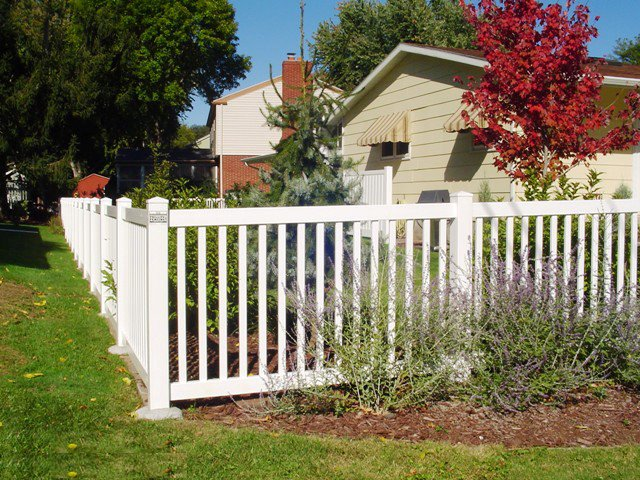 Pvc or vinyl fences cardinal fence supply inc for Colonial fence designs
