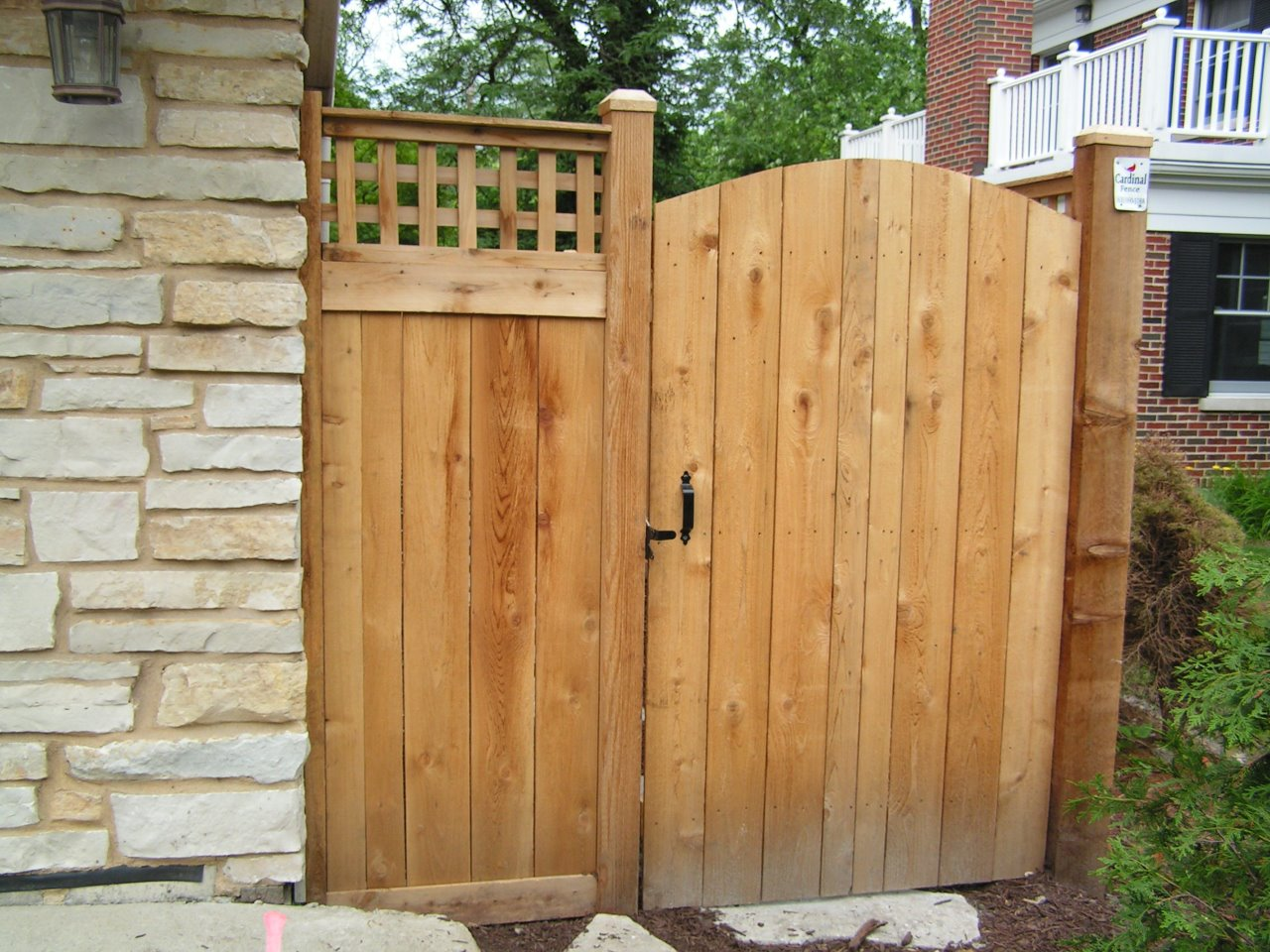 6u0027 Traditional with Square Lattice Arched Gate - Outside View Cedar Fence - Cardinal Fence u0026 Supply Inc. & 6u0027 Traditional with Square Lattice Arched Gate - Outside View Cedar ...