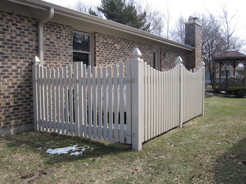Pvc wood and aluminum arbors cardinal fence supply inc for Small privacy fence