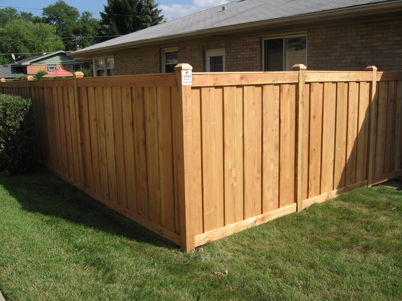 Picture of: Cedar Fencing From Cardinal Fence And Supply In Bensenville