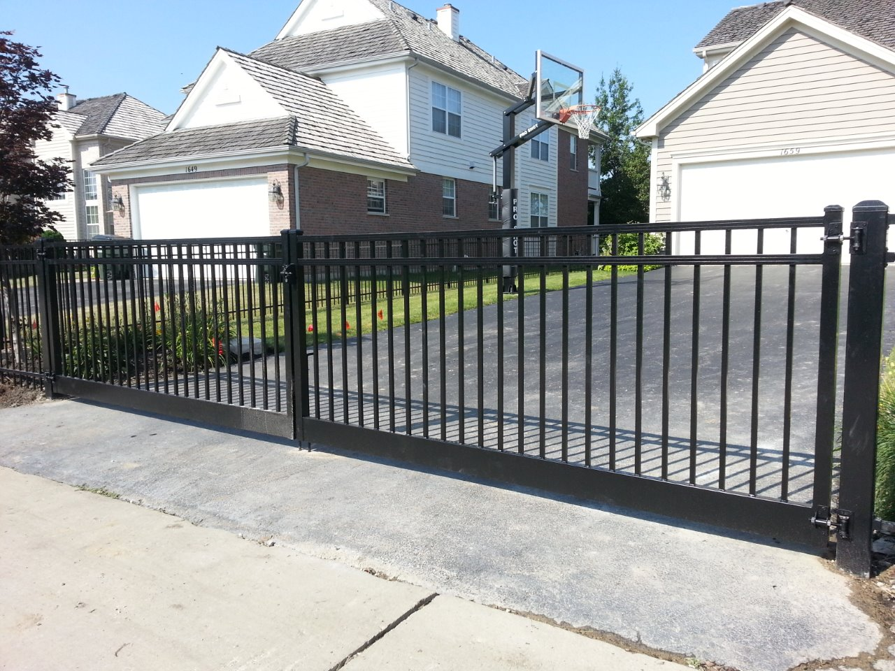 Extra Large Double Swing Aluminum Fence And Gate