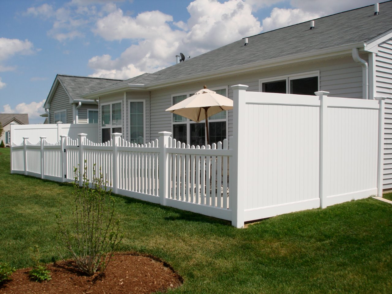 Multi Height Vinyl Fence Cardinal Fence Amp Supply Inc