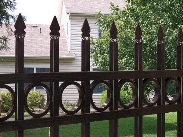 Spear Top Aluminum Fence With Rings Cardinal Fence
