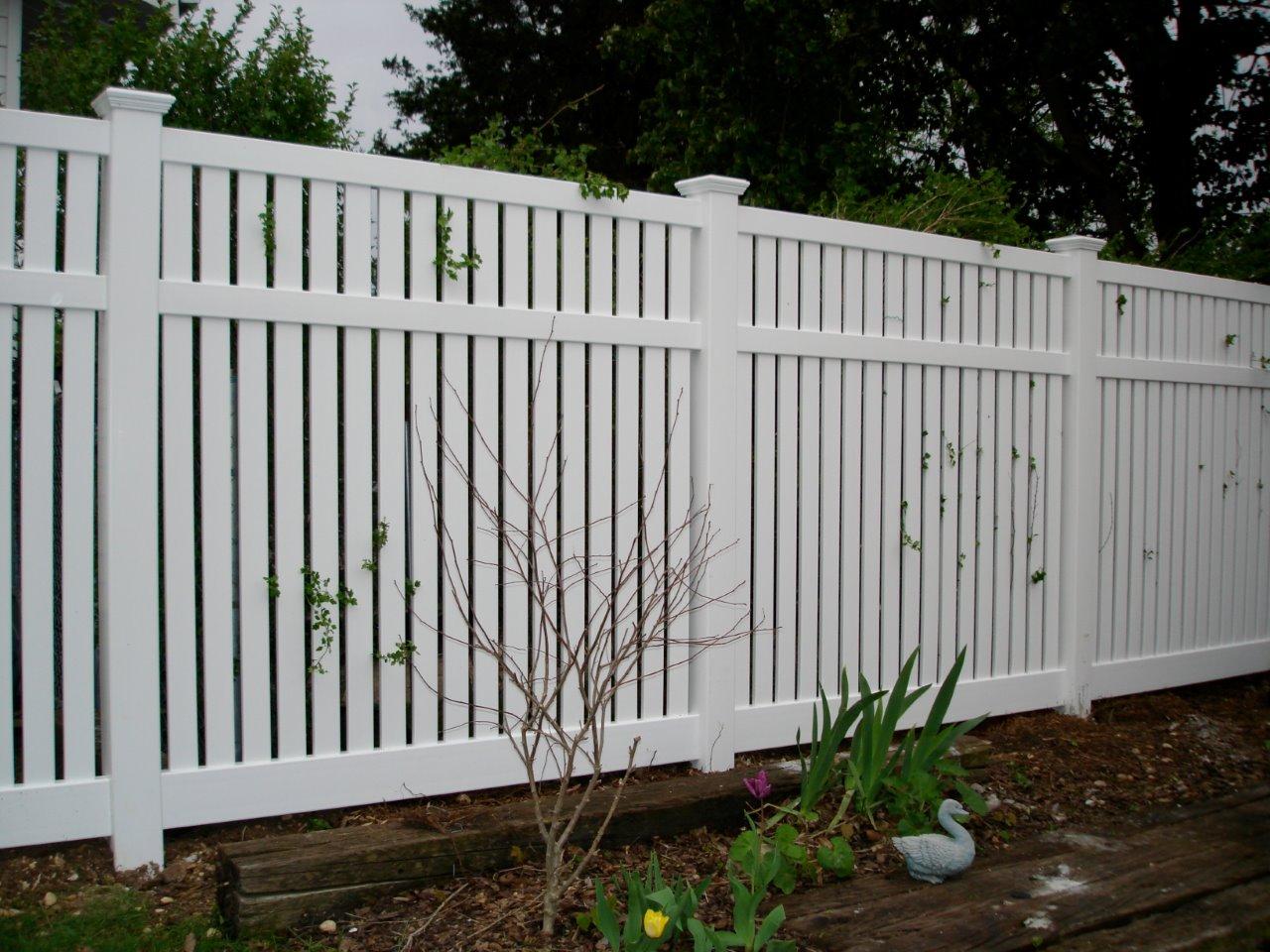 Vinyl Fence Picture
